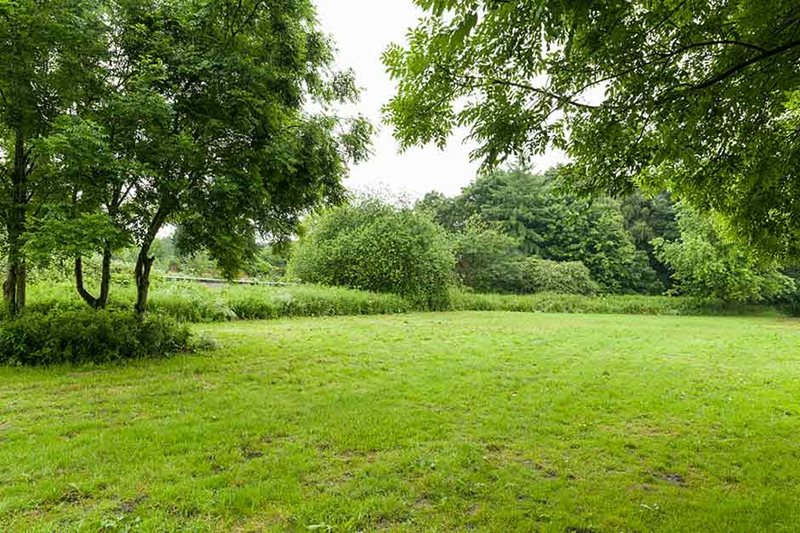 RHS Bridgewater Worsley New Hall jardin amurallado exterior