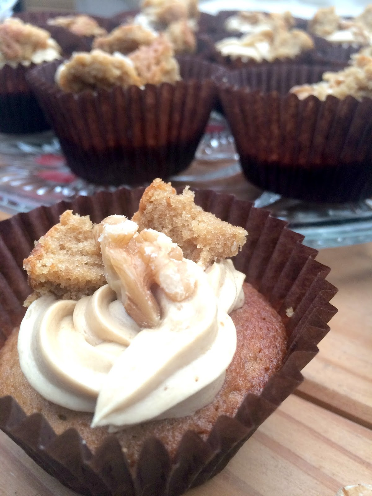 recipe for coffee and walnut butterfly cakes