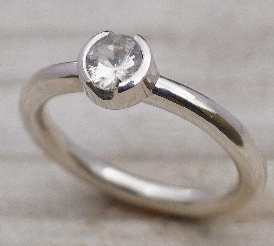 Simple but Elegant Silver Engagement Rings with Diamond Model