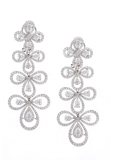 01 Entice diamond earrings from Irresistible Diamonds Collection