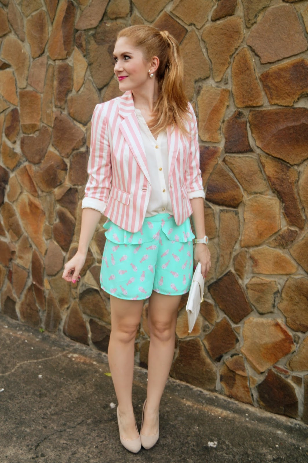 Cute outfit in candy colors!
