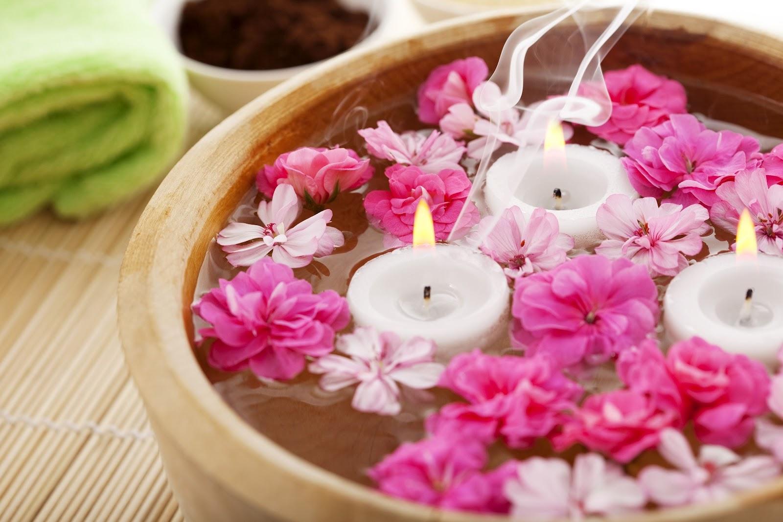 http://4.bp.blogspot.com/-2zz6dYebBxk/T9ErKzuAfzI/AAAAAAAAFQc/VUkPVpsaXPE/s1600/fleurs+bougies+2.JPG