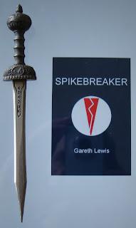 Portada del libro Spikebreaker, de Gareth Lewis