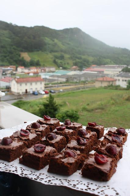pastel de chocolate en microondas,tarta Bob esponja {y kissfruit}