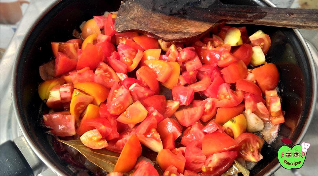 पनीर बटर मसाला | पनीर मखनी | Add cutted tomatoes