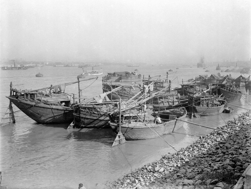 Boats on Hooghly River, Calcutta (Kolkata) - c1912-14