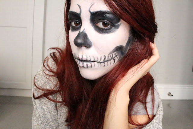 skull girl makeup, halloween makeup, claire's, red hair, blog, tuto, skull makeup, skull girl, enjoyk, maquillage simple halloween,
