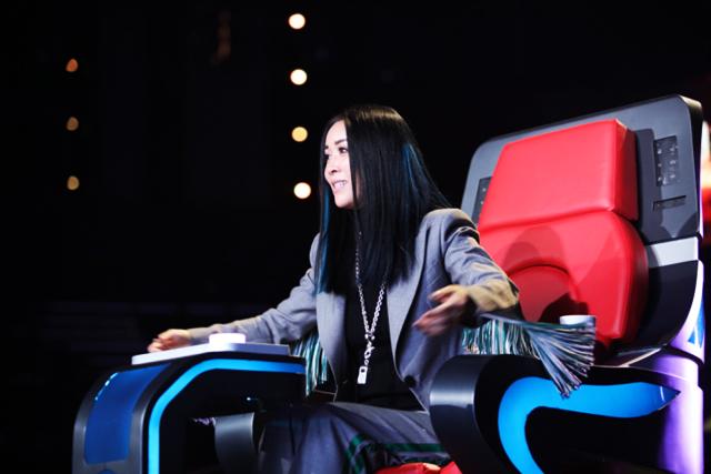 Why did 中國好声音 Voice of China Season 5 become 中國新歌聲 SING CHINA?