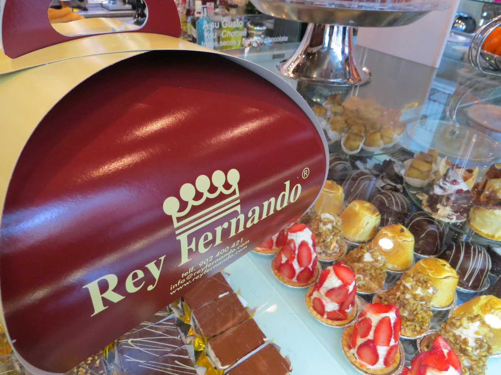 Christmas in Granada - Cakes at Rey Fernando