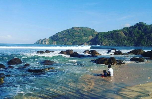 Pantai Wediombo Gunung Kidul Yogyakata