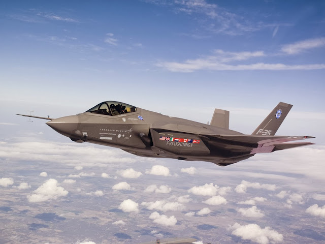 BEST FIGHTER FOR CANADA: F-35 vs. Typhoon... FIGHT!