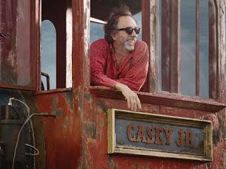 Tim Burton sul set di Dumbo, 2019.