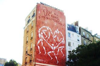 Sunday Street Art : Jérôme Mesnager - Danse des hommes blancs - rue de Ménilmontant - Paris 20 - 1995