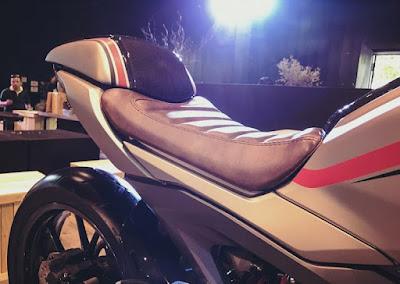 Honda CB150R Exmotion custom
