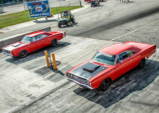 Dodge Superbee 1969 vs Plymouth Roadrunner 1969