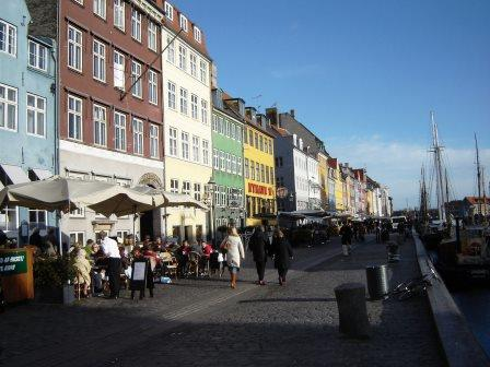 cafes along Nyhavn