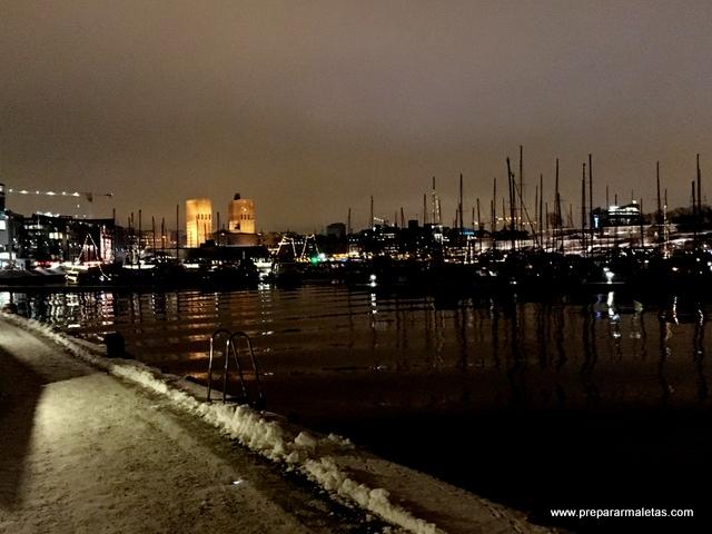 paseo por el puerto Oslo