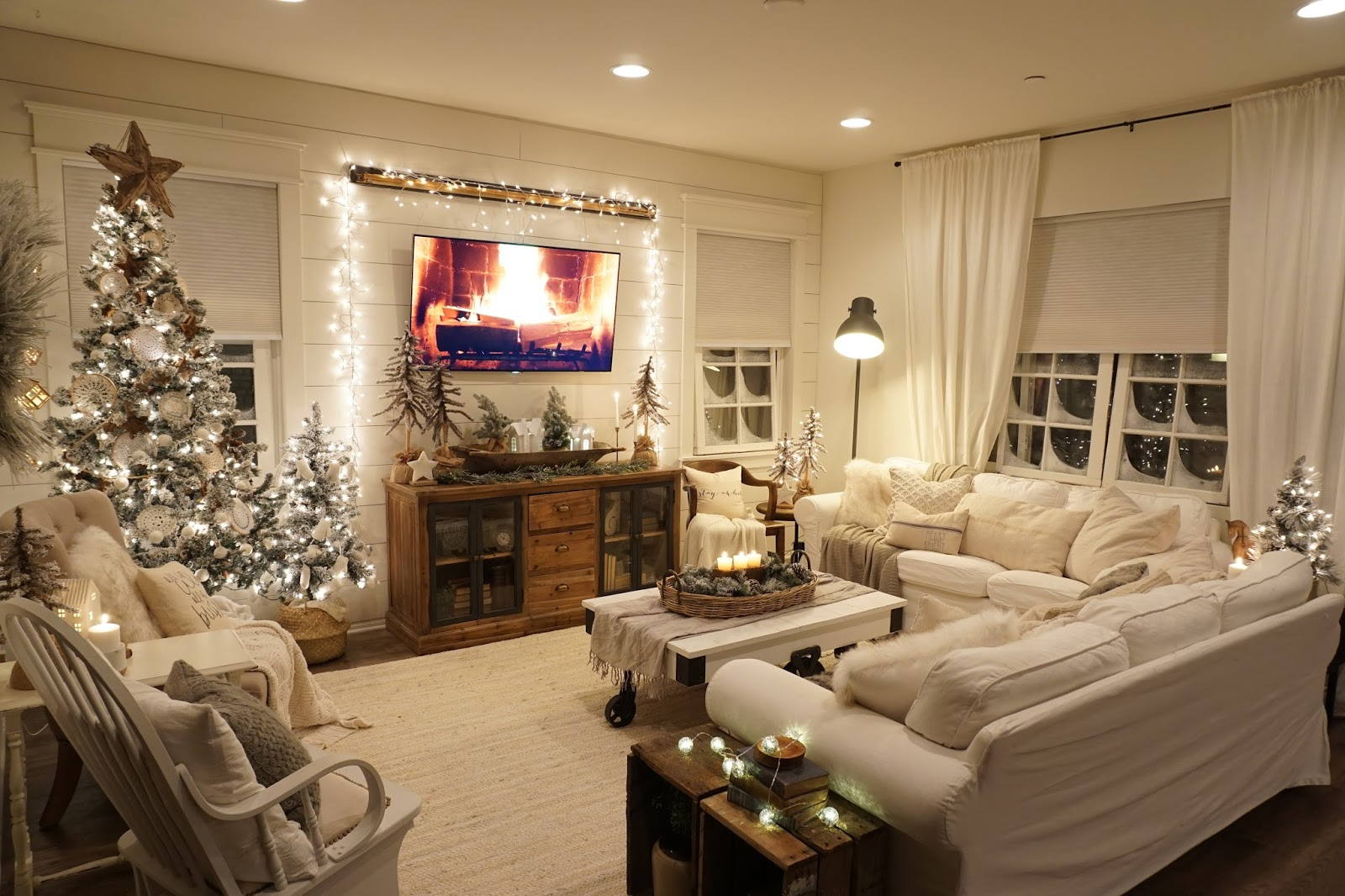 Cozy Living Room: Cozy Christmas Living Room Night Tour