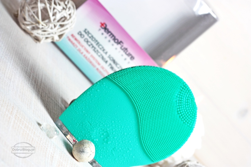 DERMOFUTURE Technology- Szczoteczka soniczna do oczyszczania twarzy.