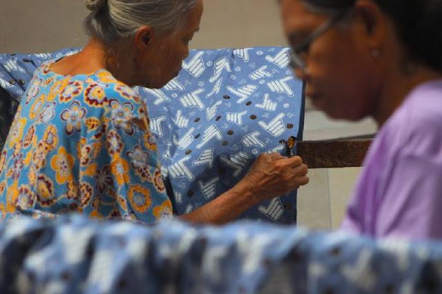 Setelah Bertemu Sandiaga, Pengusaha Buat Motif Batik 2 Jari