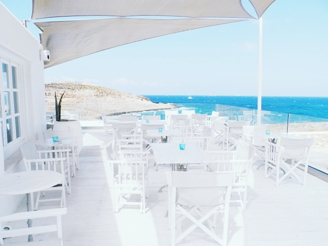 Luxury, exclusive and honeymoon hotels in Paros