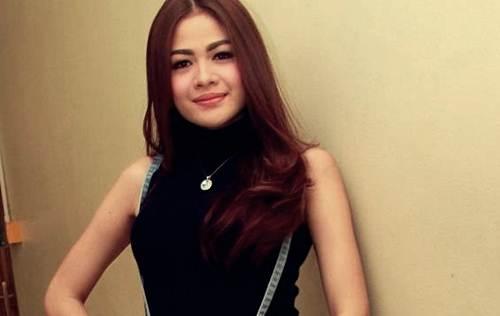 Foto Dan Berita Penyanyi Dangdut Hesty Klepek Klepek Ditangkap Polisi
