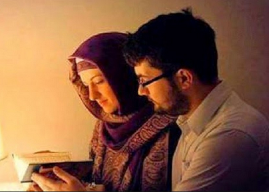Kisah Orang yang Menawarkan Salah Satu Istrinya untuk Sahabatnya