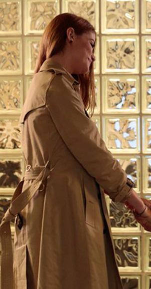 Figurino Livia (Aline Moraes), nova fase, Além do tempo, casaco