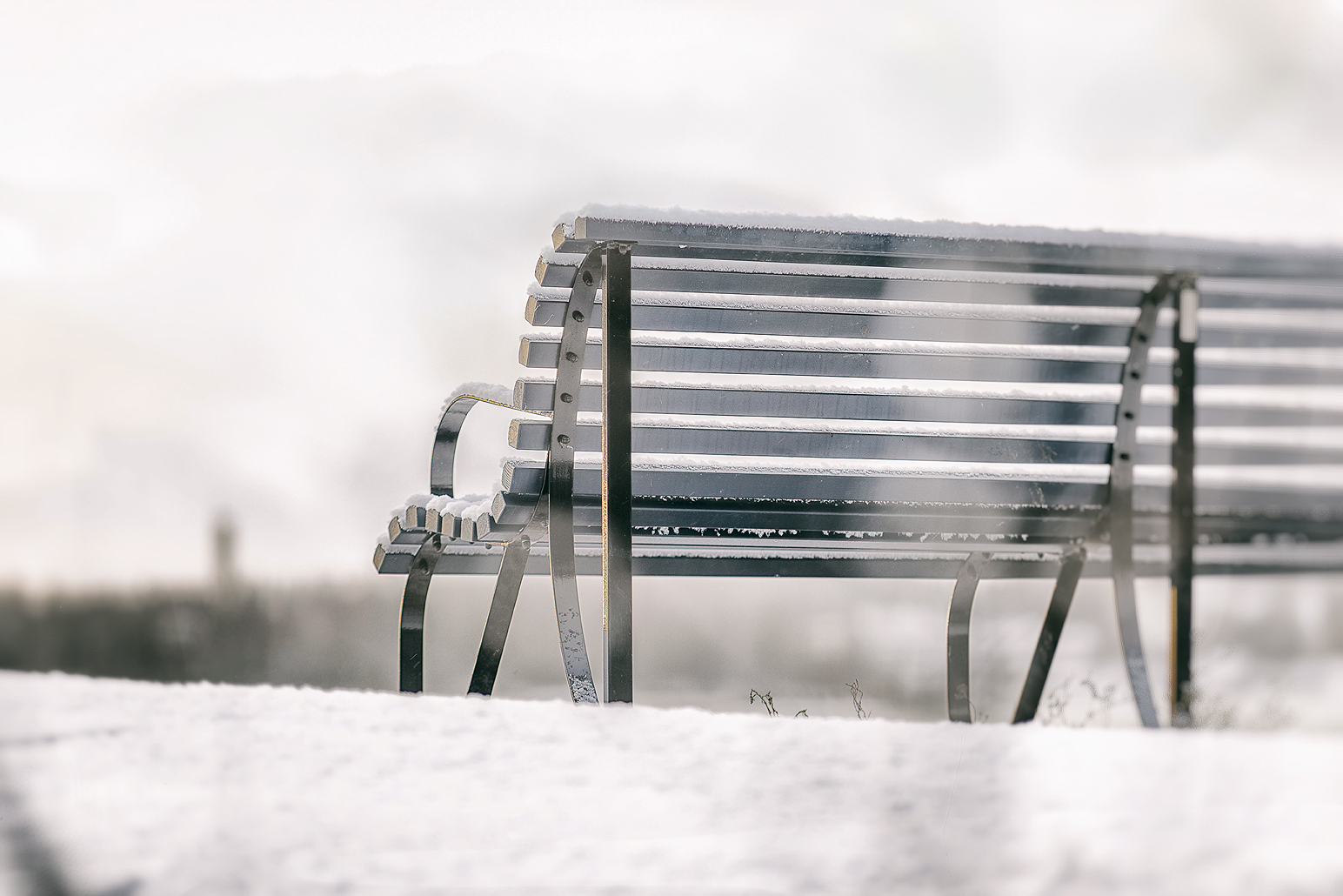 Seurasaari, Helsinki, talvi, visithelsinki, vanha rakennus, valokuvaus, Visualaddict, photography, valokuvaaja, Frida Steiner, winter, Finland, penkki, bench