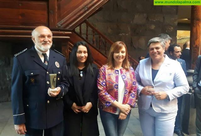 Los Bomberos de La Palma reciben un reconocimiento por su labor