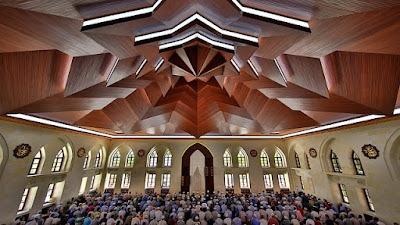 Hukum Wanita Shalat Berjamaah Di Masjid