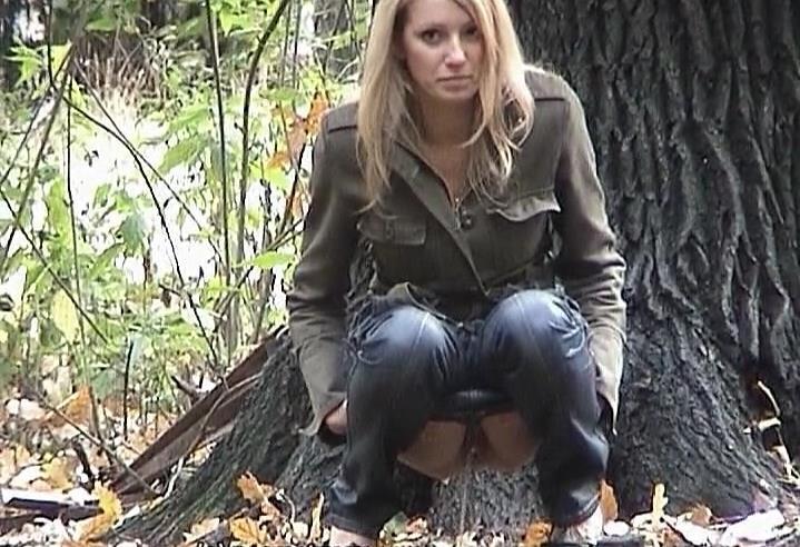 Девушка вынужденно сходила по нужде видео — 8