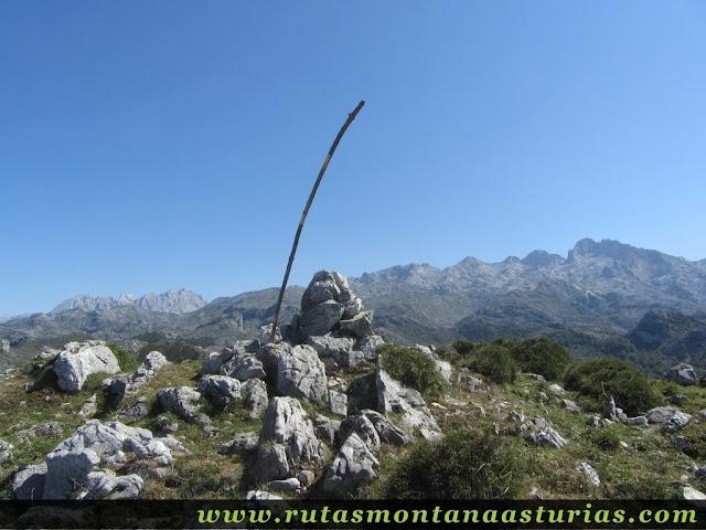 Ruta Lagos de Covadonga PR PNPE-2: Cima de la Porra de Enol