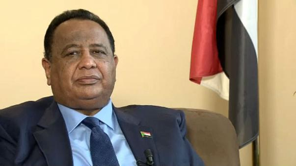 البشير يصدر مرسوما باعفاء وزير الخارجية « غندور» من منصبه
