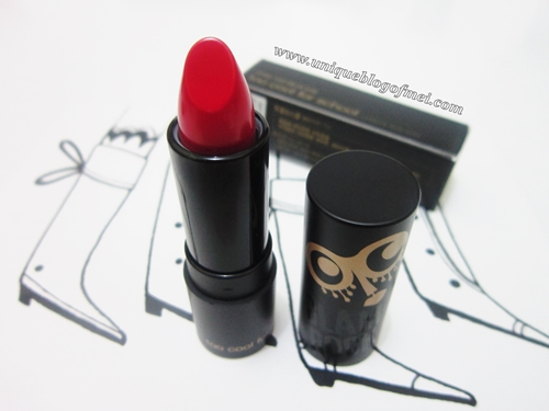 Too cool for school Glam Rock Vampire's Kiss in Bloody Red review