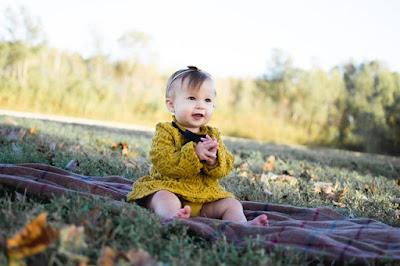 Zasady dotyczące ubierania niemowlaka i małego dziecka wiosną