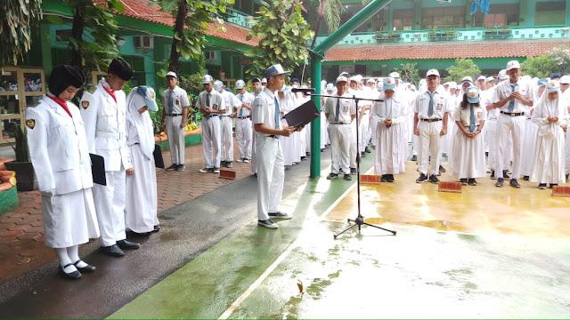 upacara peringatan hari sumpah pemuda SMAN 110