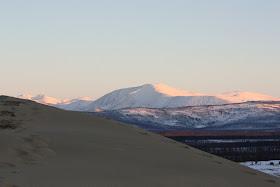 7 Gurun Pasir Dikepung Pegunungan Salju