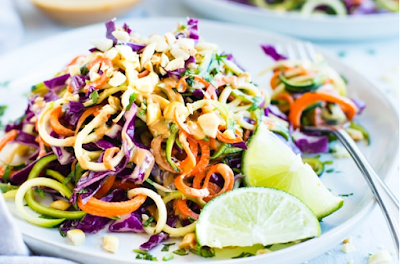 Thai Zucchini Noodle Salad with Cabbage #vegan #recipevegetarian