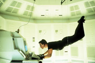 Ethan Hunt (Tom Cruise)