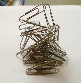 Percobaan Magnet Pada Penjepit Kertas