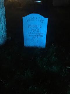 DIY Halloween Tombstone decoration