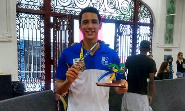 Bruno Guedes comemorá pódio da Copa Brasil Sub21 [Arquivo Pessoal/Fb]
