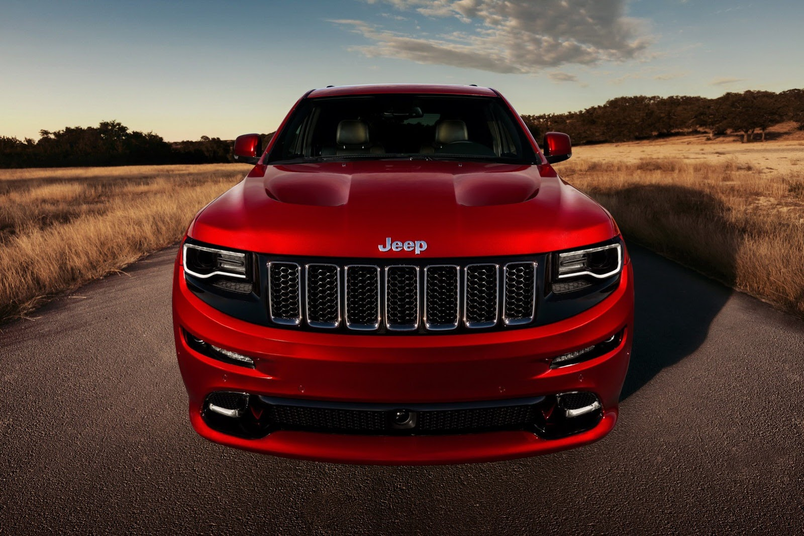 jeep grand cherokee srt will survive, despite hellcat-powered