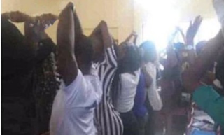 UNILORIN Lecturer Orders 400L Students To Kneel Down And Raise Their Hands As Punishment For Noise Making – See Photos