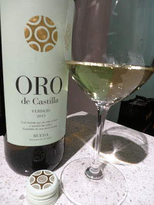 Bodegas Hermanos del Villar Oro de Castilla 2015 - DO Rueda, Spain (88 pts)