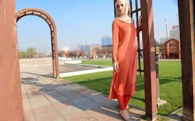 http://4.bp.blogspot.com/-32DG-AlCM8s/U6gByM241TI/AAAAAAABOXI/X61bxVb1h3k/s1600/Abaya+And+Hijab+Collection+For+Ramadan+And+Eid+(5).jpg