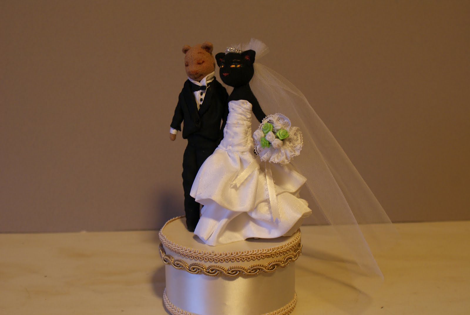 gangster wedding cake toppers orsini wallpaper free wallpaper dawallpaperz 14643