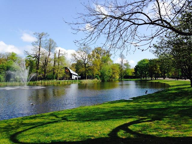 Visite o VondelPark Amsterdam no verão