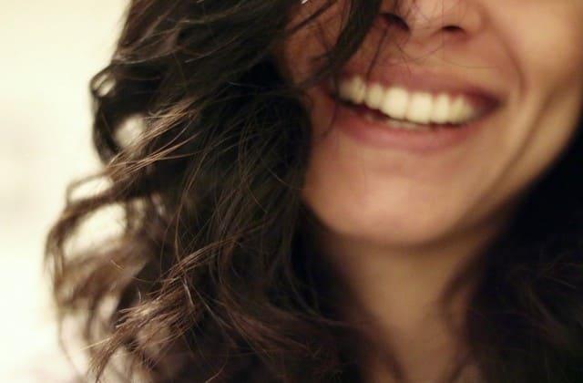 Tertawa dan beberapa gerakan mata bisa menyebabkan keriput di wajah